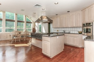 011-Kitchen-1112593-mls