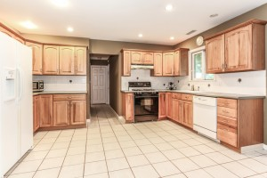 040-Kitchen-1112623-mls